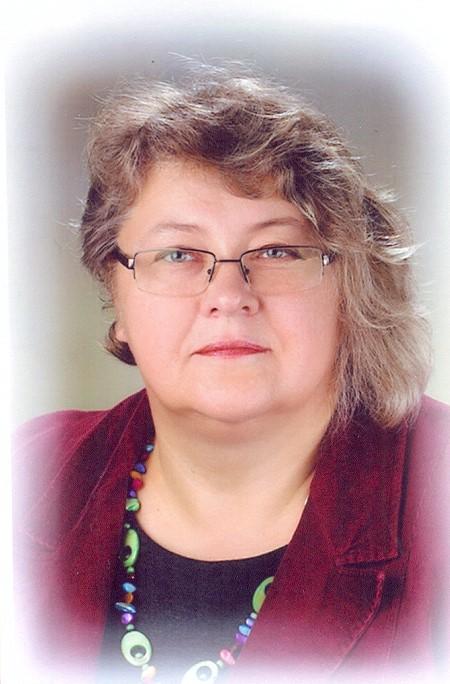 Ineta Dūmiņa, Sākumizglītības skolotāja, 3.b klases audzinātāja, pagarinātās grupas skolotāja
