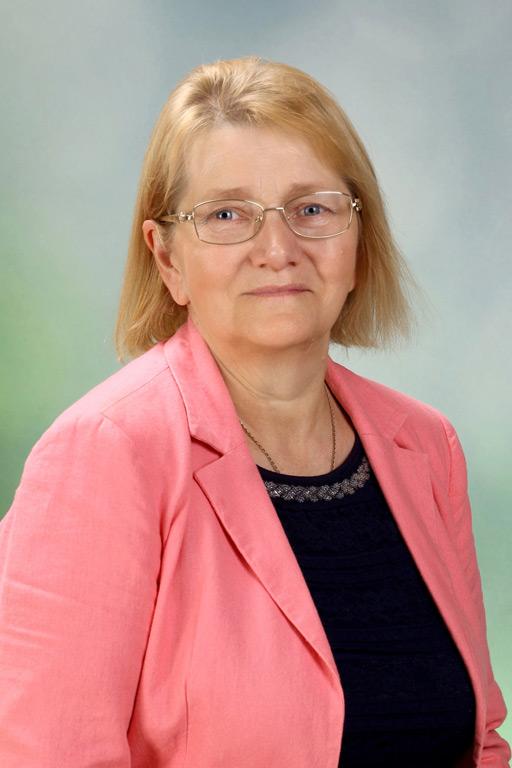 Biruta Sniķere, Sākumizglītības skolotāja, 4.b klases audzinātāja, pagarinātās grupas skolotāja